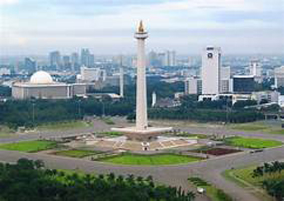 monas (foto:indonesiadestination.com)