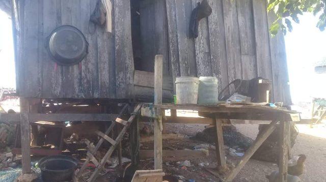 Rumah yang ditempati Tony dan Kedelapan Anggota Keluarganya