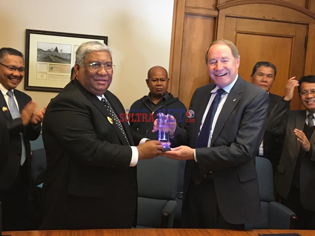Gubernur Ali Mazi Tandatangani MOU di Bidang Pengembangan Perikanan, Perpustakaan dan Pengembagan RS Jantung dengan Universitas Rhode Island, Amerika Serikat