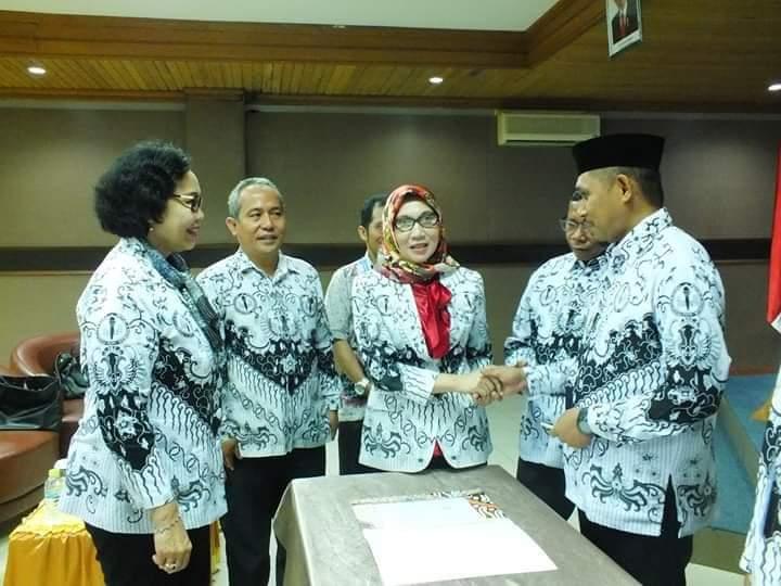 Foto pelantikan ketua APKS PGRI Sultra disaksikan oleh Ketua PB PGRI