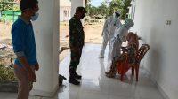 Anggota TNI saat memantau Swab Pegawai Puskesmas