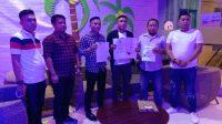 Gubernur LIRA Sultra Karmin Serahkan SK Ke Bupati LIRA Konawe Satriadin