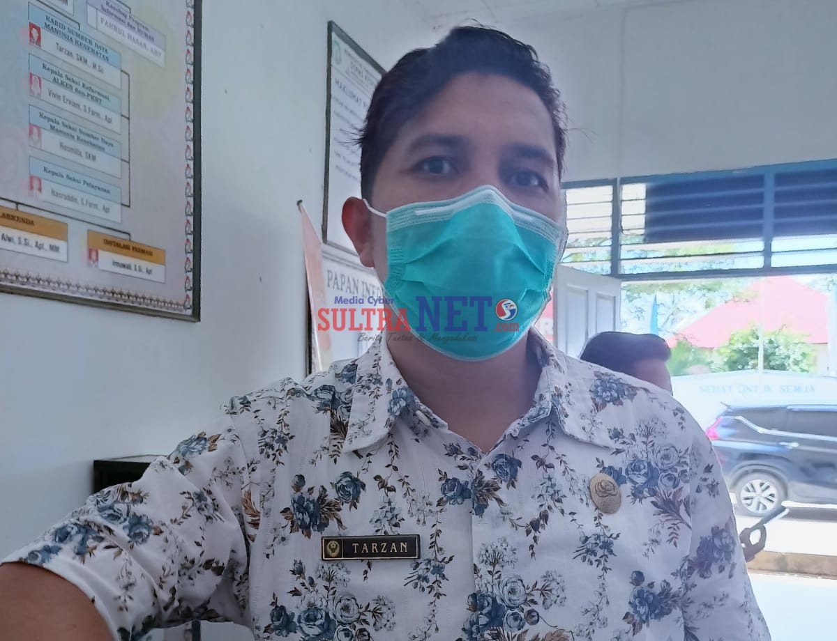 Kepala Bidang Pelayanan dan SDK Dinas Kesehatan Kabupaten Bombana , Tarzan,SKM .,M.Sc
