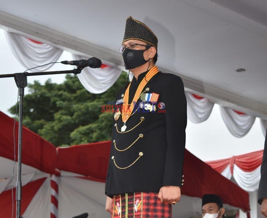 Bupati Bombana, H. Tafdil saat Memimpin Upacara HUT-RI ke 76