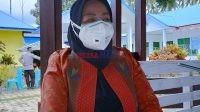 Kepala PKM Rarowatu, Hasniwati, SKM