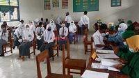 Pelaksanaan Vaksinasi di Salah satu Sekolah di Bombana